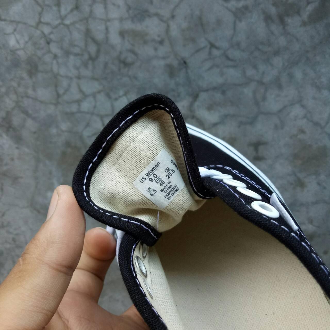 c88cbde9528f60 SEPATU VANS AUTHENTIC BLACK WHITE PREMIUM IFC FULL TAG MADE IN CHINA ...