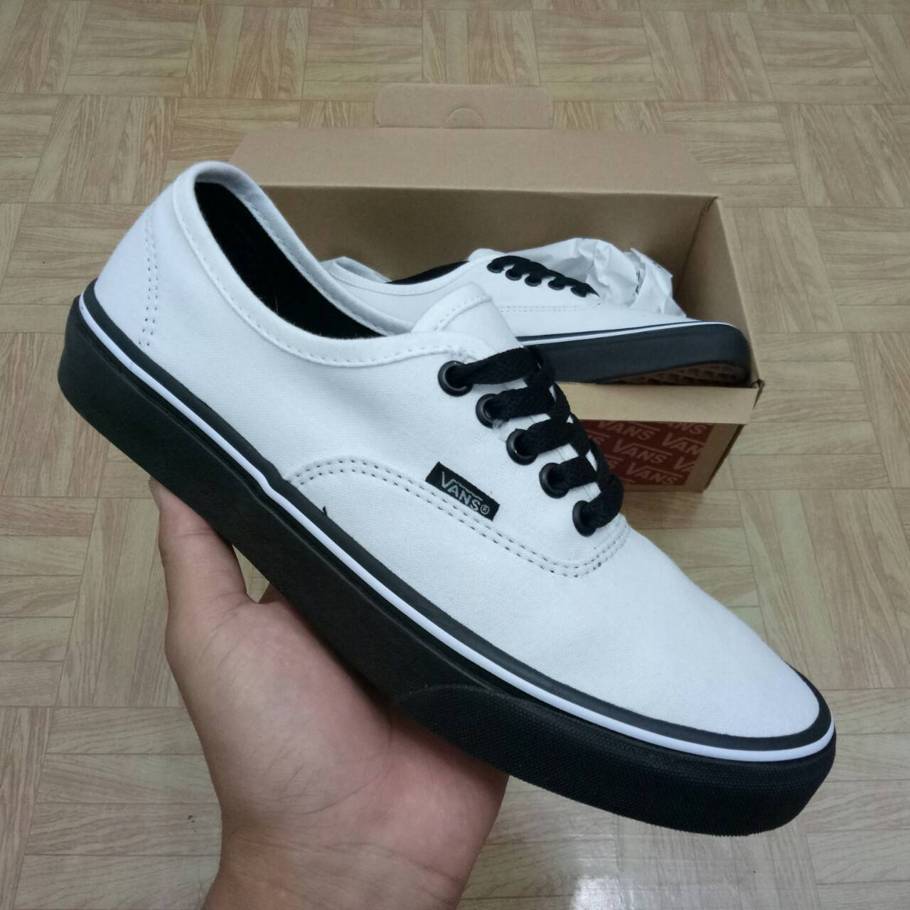 SEPATU VANS AUTHENTIC WHITE BLACK PREMIUM WAFFLE DT BNIB (Brand New In Box)  FULL TAG BARCODE MADE IN CHINA 0dc1d75116