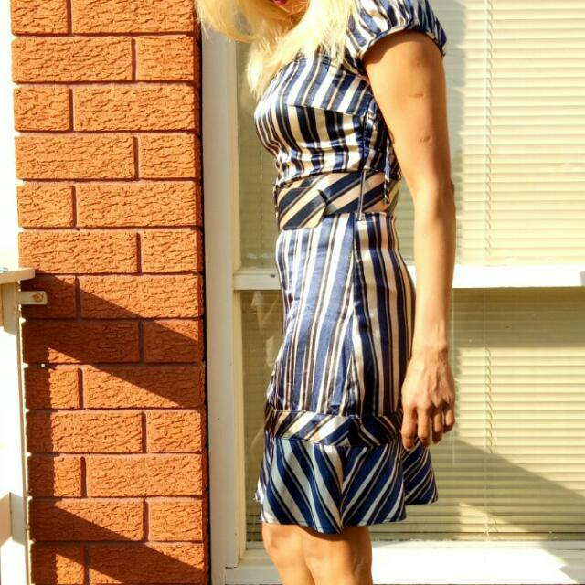 Size 8 Gold And Navy Striped Satin Dress With Matching Belt