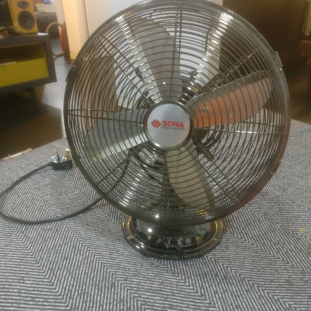 Sona Antique Metal Fan (Small Size but Strong Wind), Home