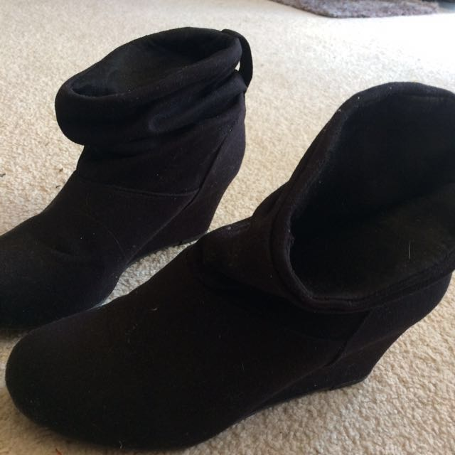 Suede wedge boots