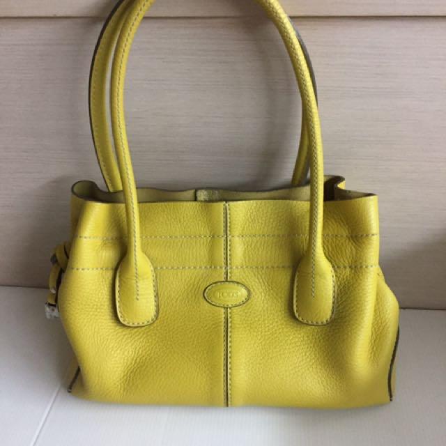 Tod's黃色真皮包。 9成新少用。原價12000。誠可小議