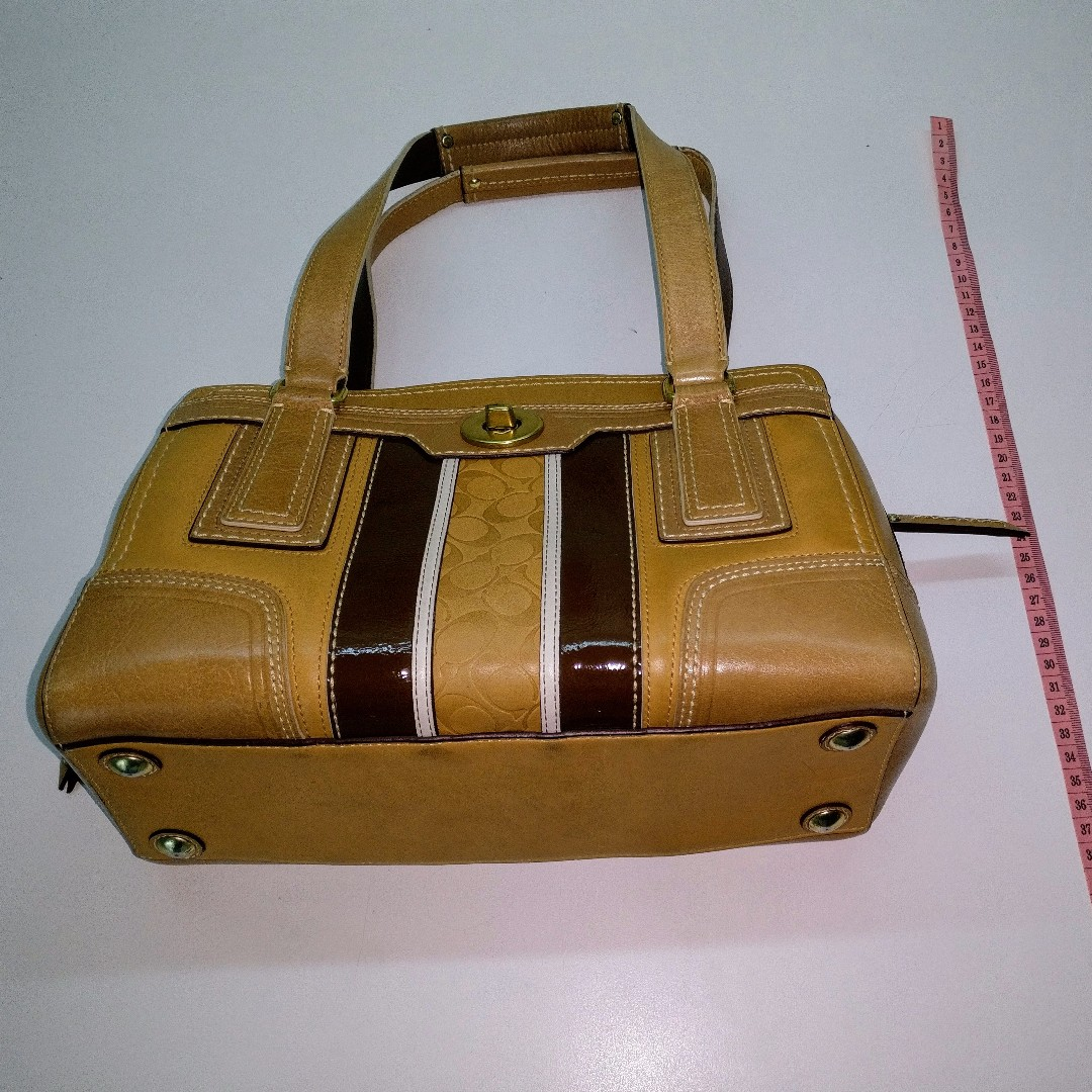b14a4ec0a51b Used Coach Bag for sale (Genuine) - Light brown with dark brown ...