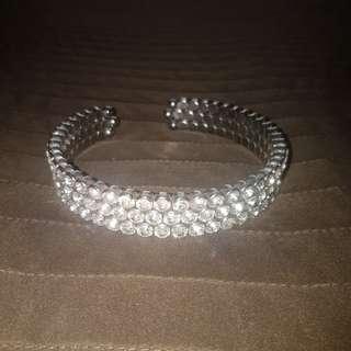 Diamond chocker