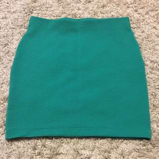 H&M Skirt - Size Medium