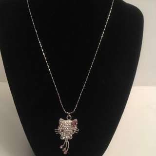 Hello Kitty large Pendant and chain