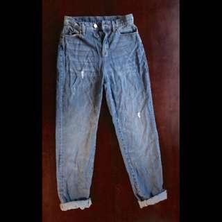 BDG blue mom high rise jeans (26 waist)