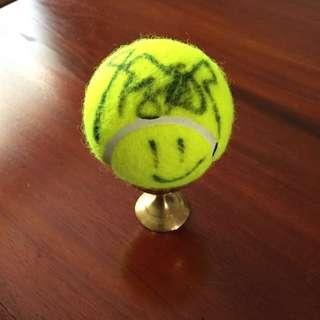 Li Na Autographed Tennis Ball [Authentic]