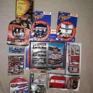 Lot Of 106 Hot Wheels