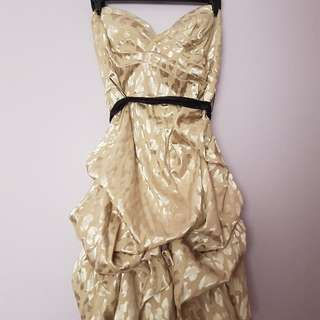 Le Chateau Perfect Prom/School Formal Dress