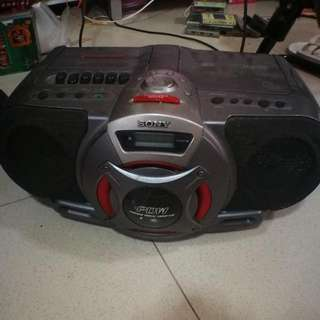 Sony CD and Cassette Player With Built In Subwoofer.