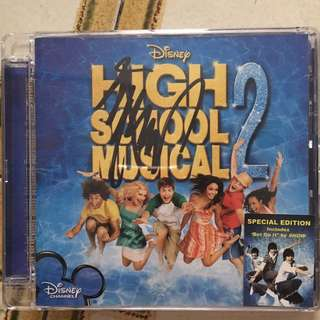 High school musical 2 Album with Show Luo's signature