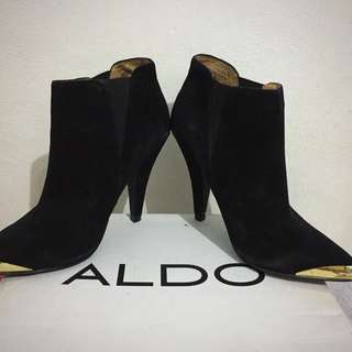 ALDO Low-cut Ankle Suede Shoes Sise: US 6