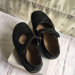 Clark girls shoes