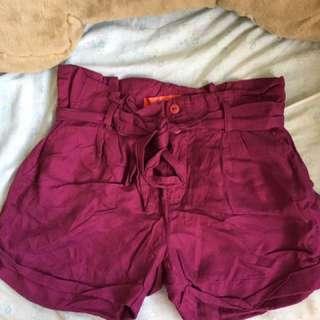 Paper waist bag magenta shorts