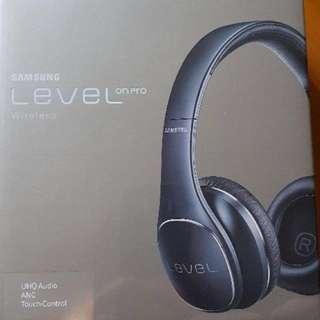 Samsung level on pro Bluetooth headphone  brand new