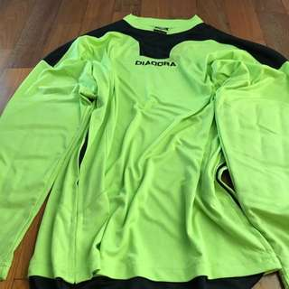 AUTHENTIC DIADORA MEN'S Goalkeeper Jersey with forearm pad NEON GREEN Size M