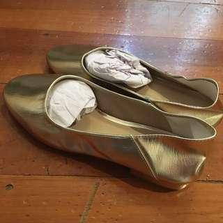 Asos - Gold ballets flats