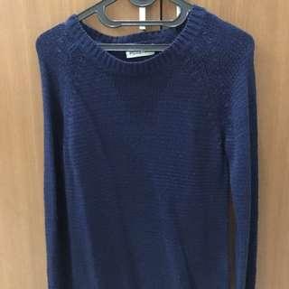 Stradivarius blue sweater