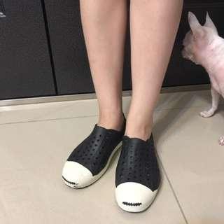 防水洞洞鞋