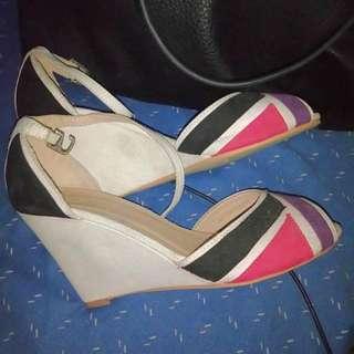 EZRA Sandals