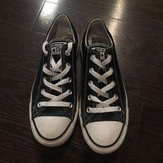 Black leather converse - size 6