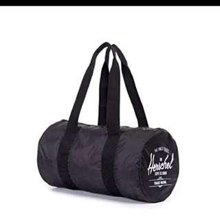 🚚 Herschel portable duffle