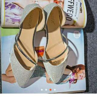 Pointed sandal