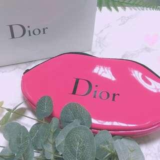 «Dior隨身化妝包»