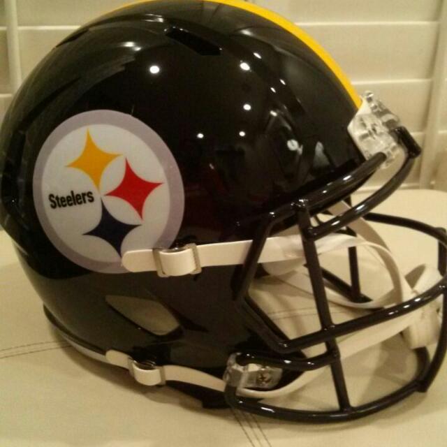 American Football Helmet Riddell , baru, hand carry from USA