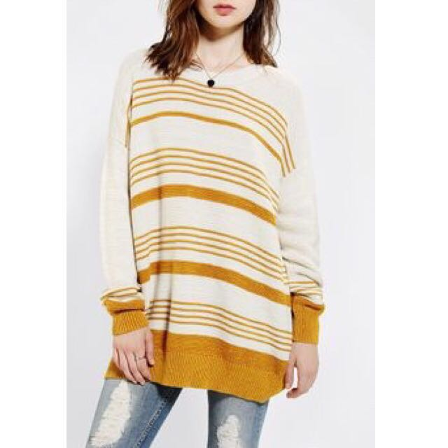 BDG Oversized Boyfriend Sweater