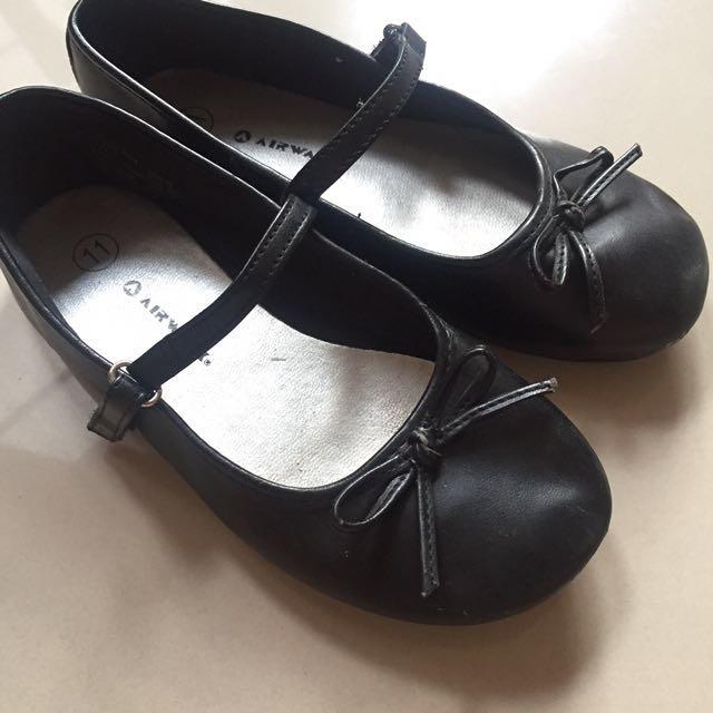 black mary jane shoes