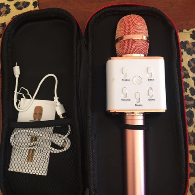Bluetooth microphone for android and iPhones iPads Brand new rose gold color tested and its fantastic !got 3 of them !
