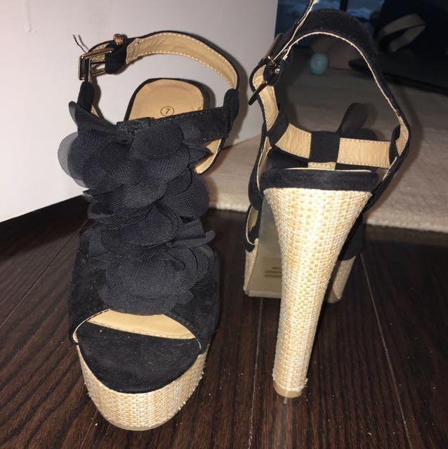 Brand new black sandal