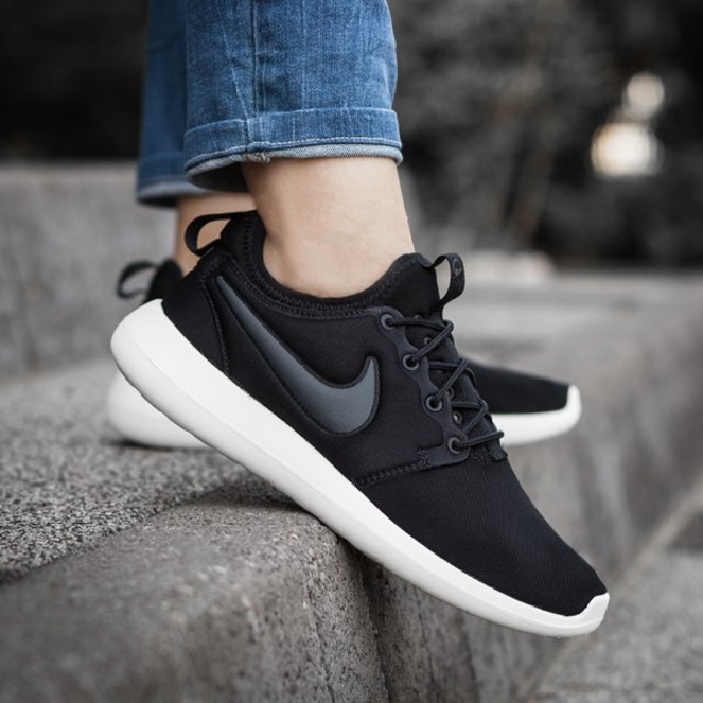 BRAND NEW NIKE WOMENS ROSHE TWO 844931002 US5-10