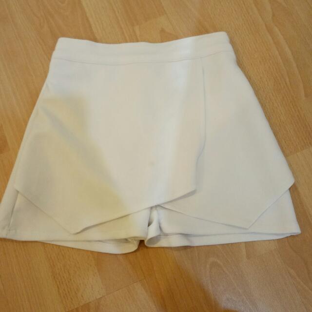 celana skort white