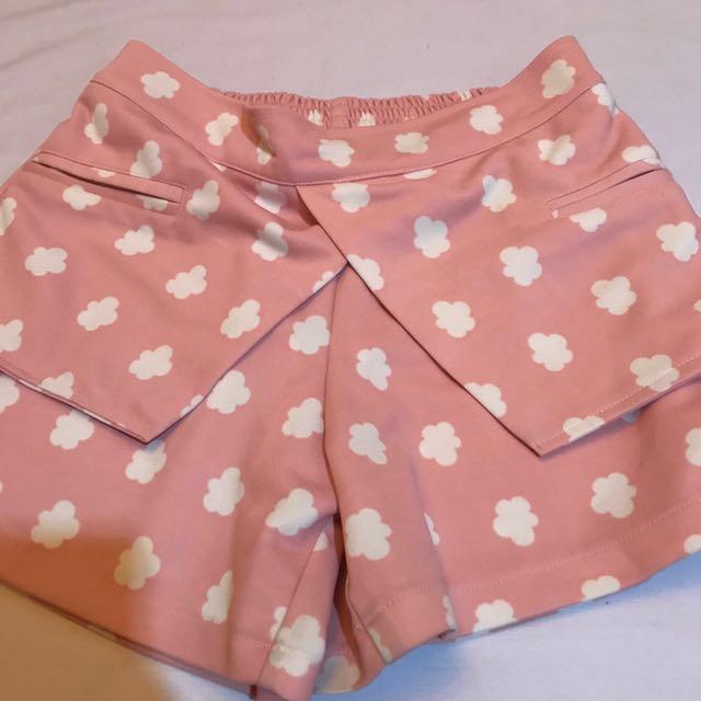 Cloudy Short Pants