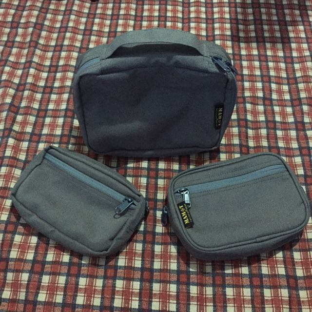 Cosmetic pouch set