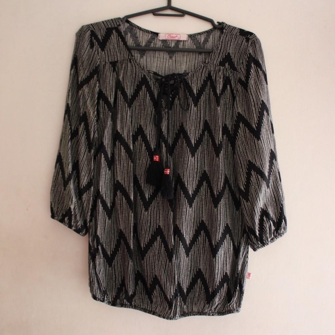 Crissa blouse with tassel