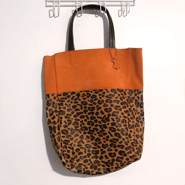 DIVIDED BY H&M LEOPARD TOTE BAG