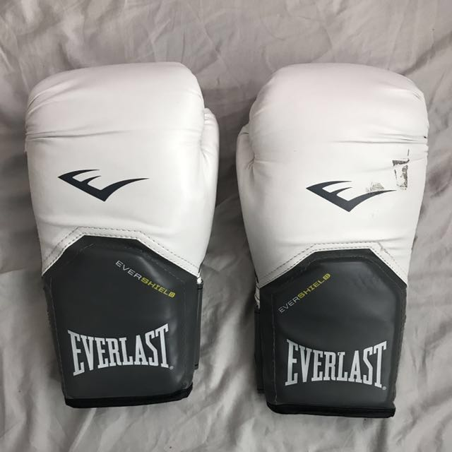 Everlast Pro Boxing Gloves
