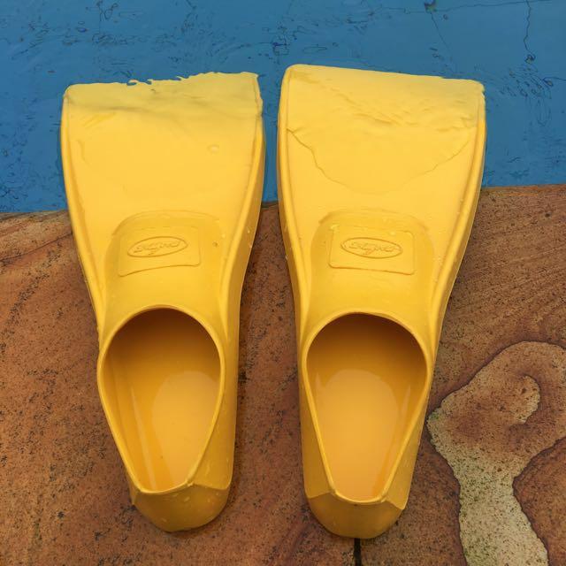 Fin Sepatu Kaki Kodok Ukuran 36