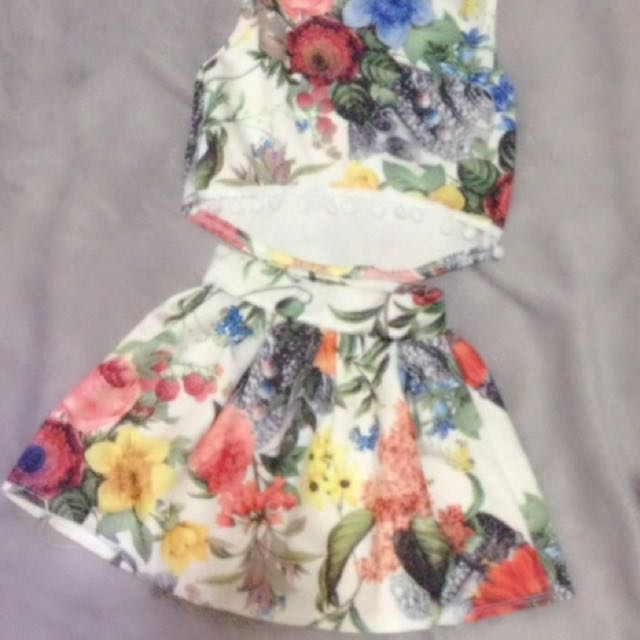 floral terno fit up to 2-3 yrs old