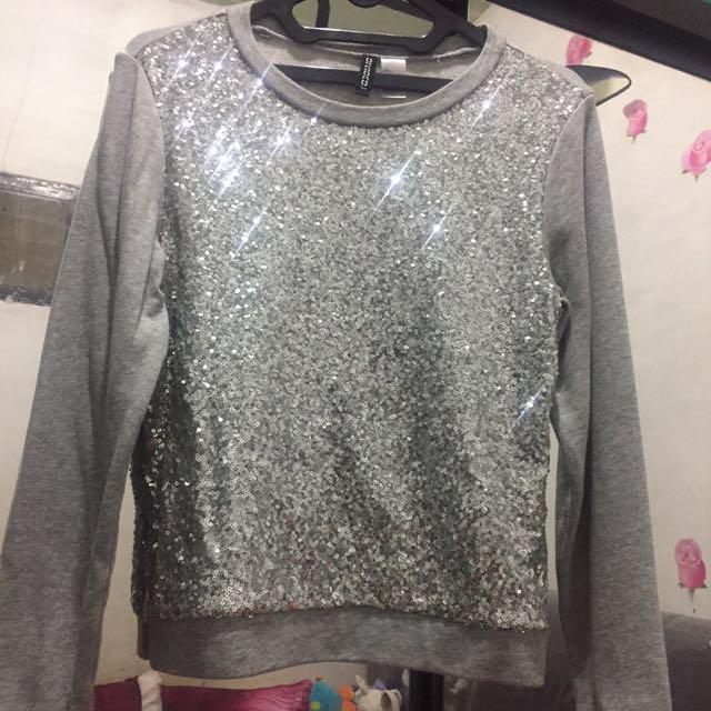 H&M Divided sparkle sweatshirt