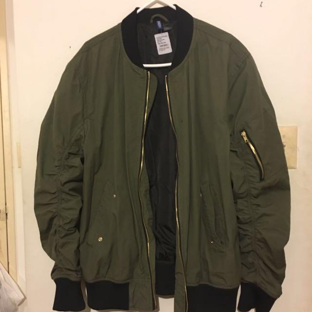 H&M Green Bomber size L