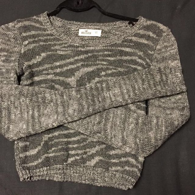 Hollister long sleeve crop top