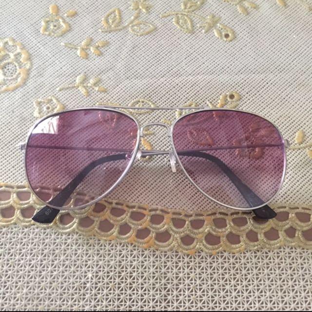 Kacamata naughty