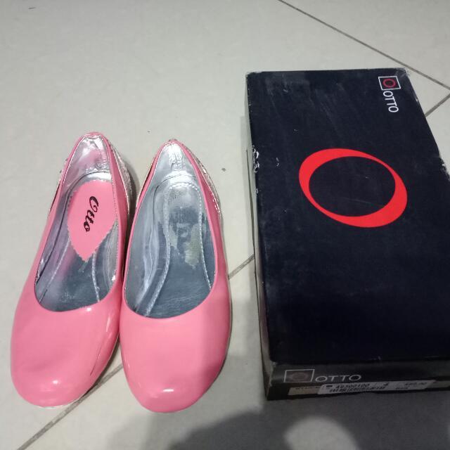 Otto Flat Shoes