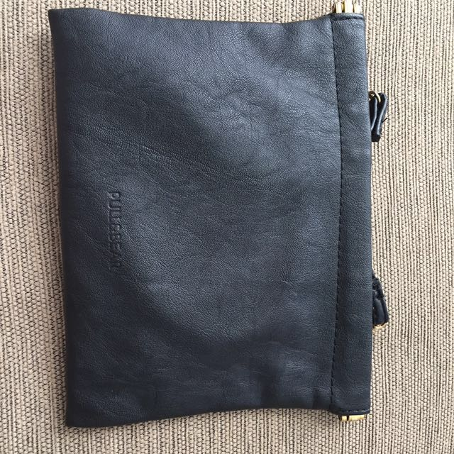 Pull&bear black sling bag
