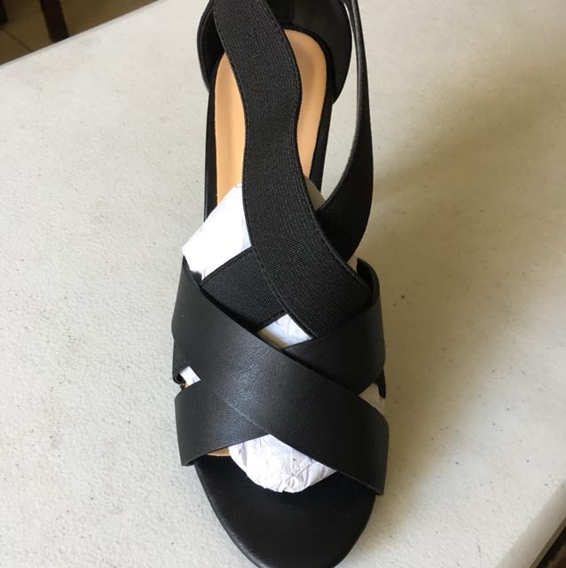 S&H black strappy high-heels. Size 36 w/ box